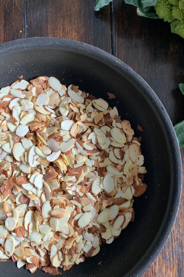 toasting almonds