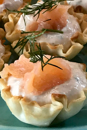smoked salmon phyllo cups