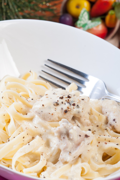 bowl of instant pot chicken fettuccine alfredo