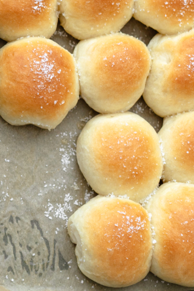 baked no knead dinner rolls