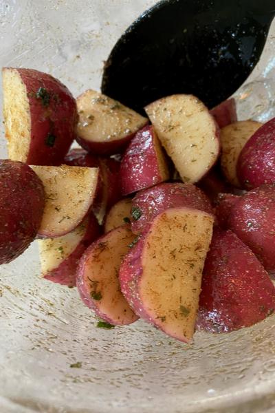 Potatoes seasoned