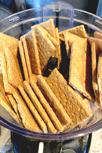 graham crackers in food processor