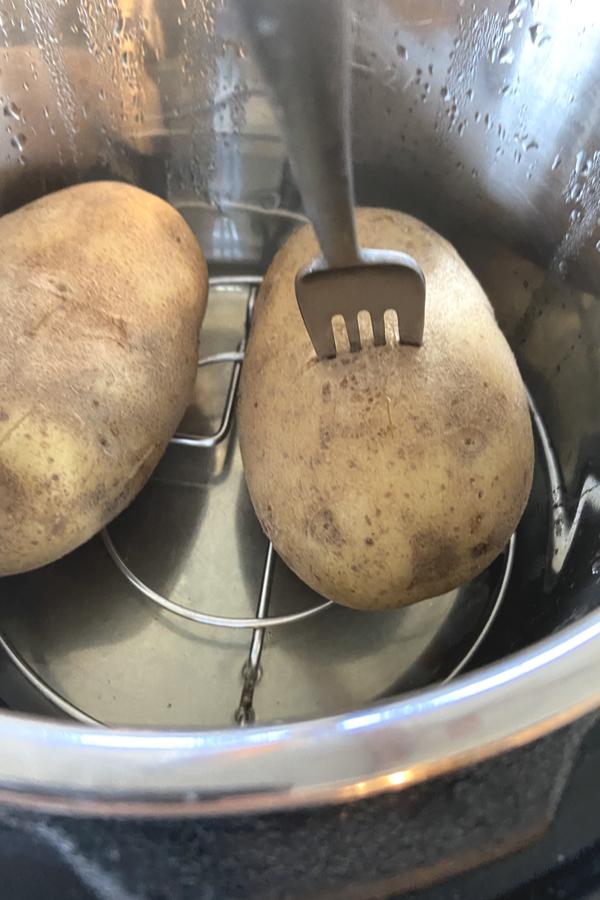 instant pot baked potaotes